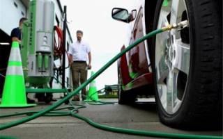Накачка шин автомобиля азотом: плюсы и минусы