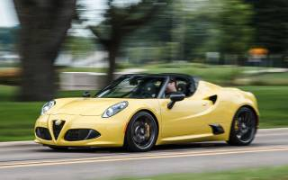 Alfa Romeo 4C Coupe US